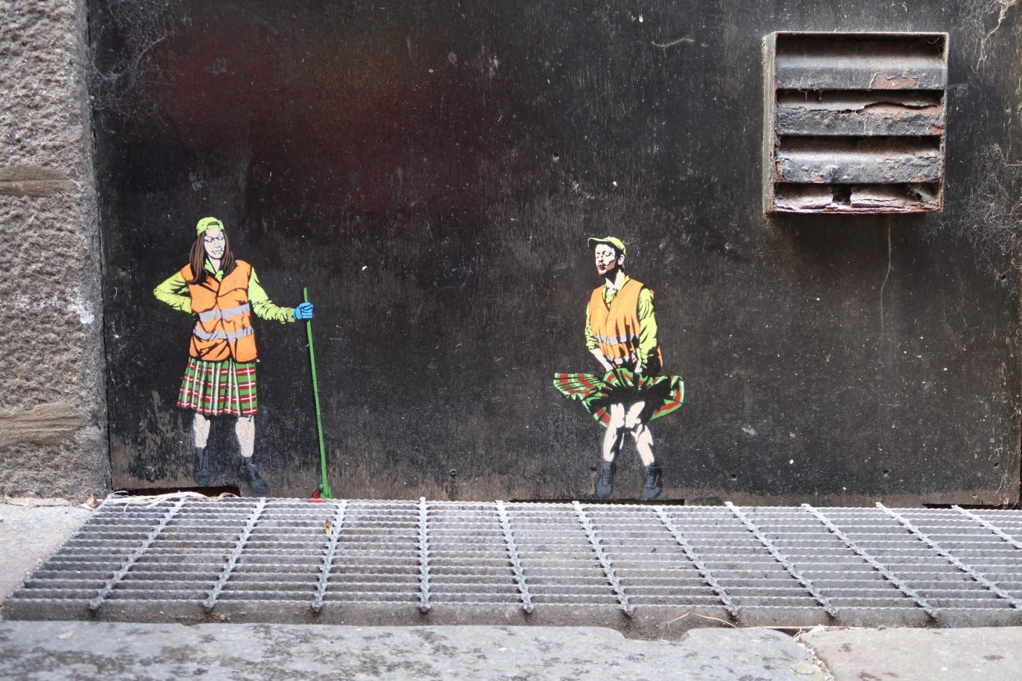 Nuart Aberdeen City Centre Street Art Artist Jaune